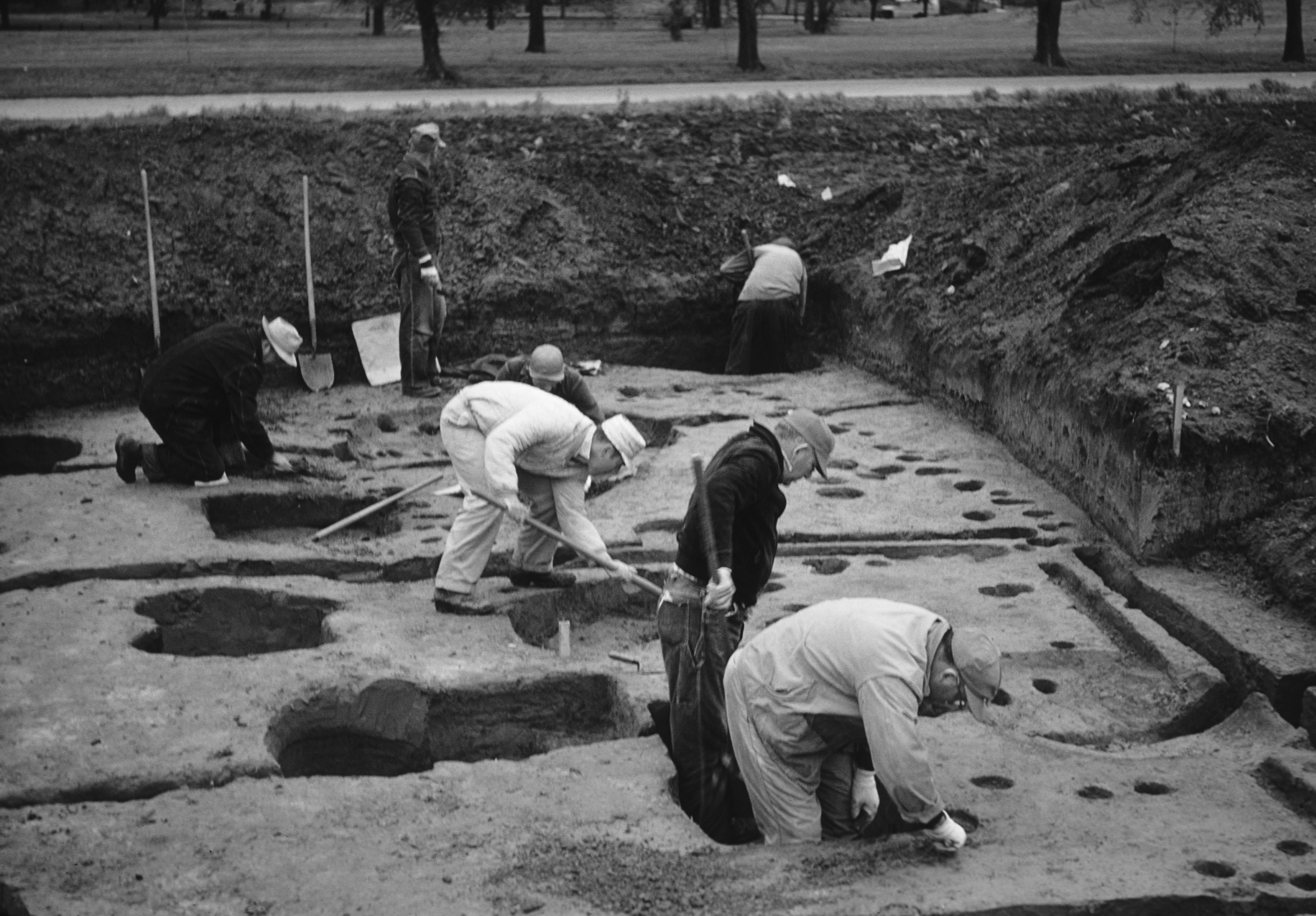 Archaeological Excavations at Cahokia Mounds Tract 15B, April 1960